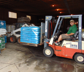 Fertimix in Jordan, MN can provide any quantity fertilizer by the bag, by the pallet or by the truckload.